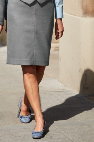 fs1270_pleat-back-skirt-grey-front_1